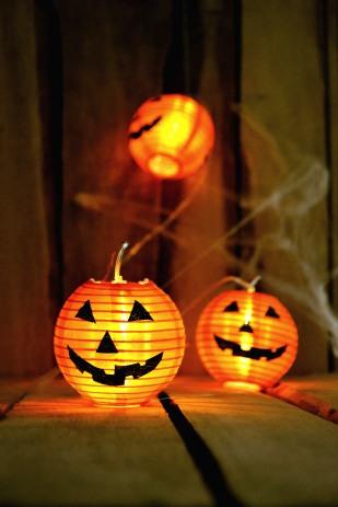 jack-o-lantern-lights-at-halloween